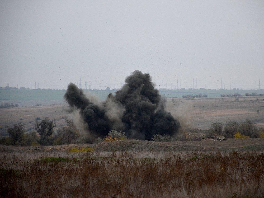 В селе на Николаевщине случайно обнаружили 63 авиабомбы, - ФОТО, фото-2