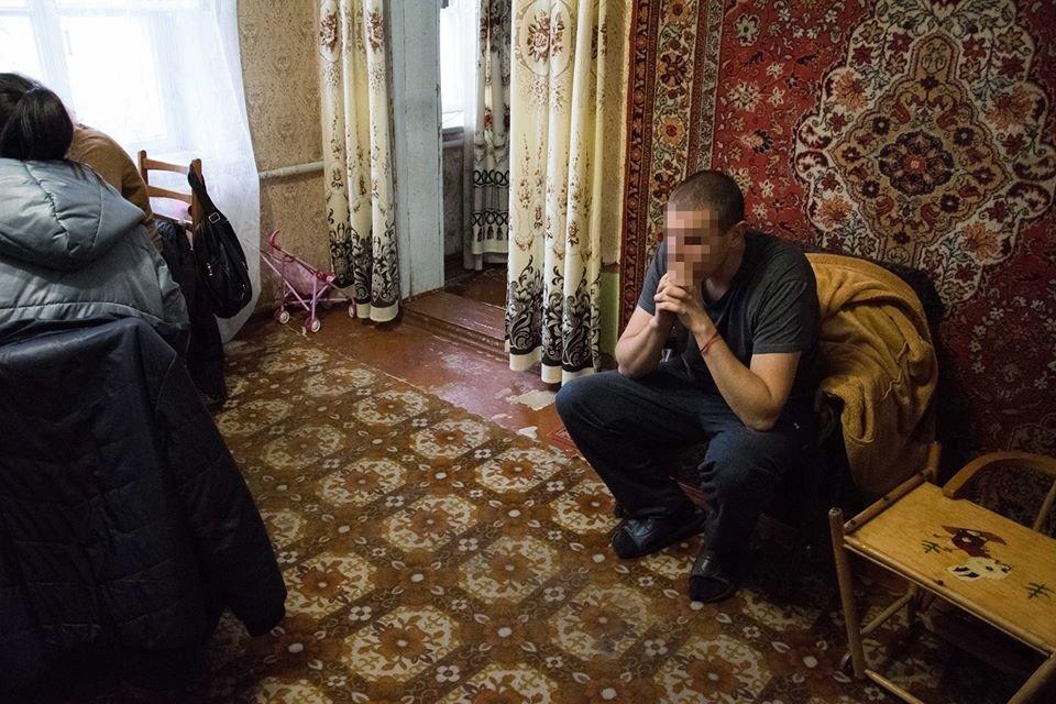 В Николаеве школьный учитель хореографии под предлогом работы в турецких ночных клубах отправлял девушек заниматься проституцией , фото-6