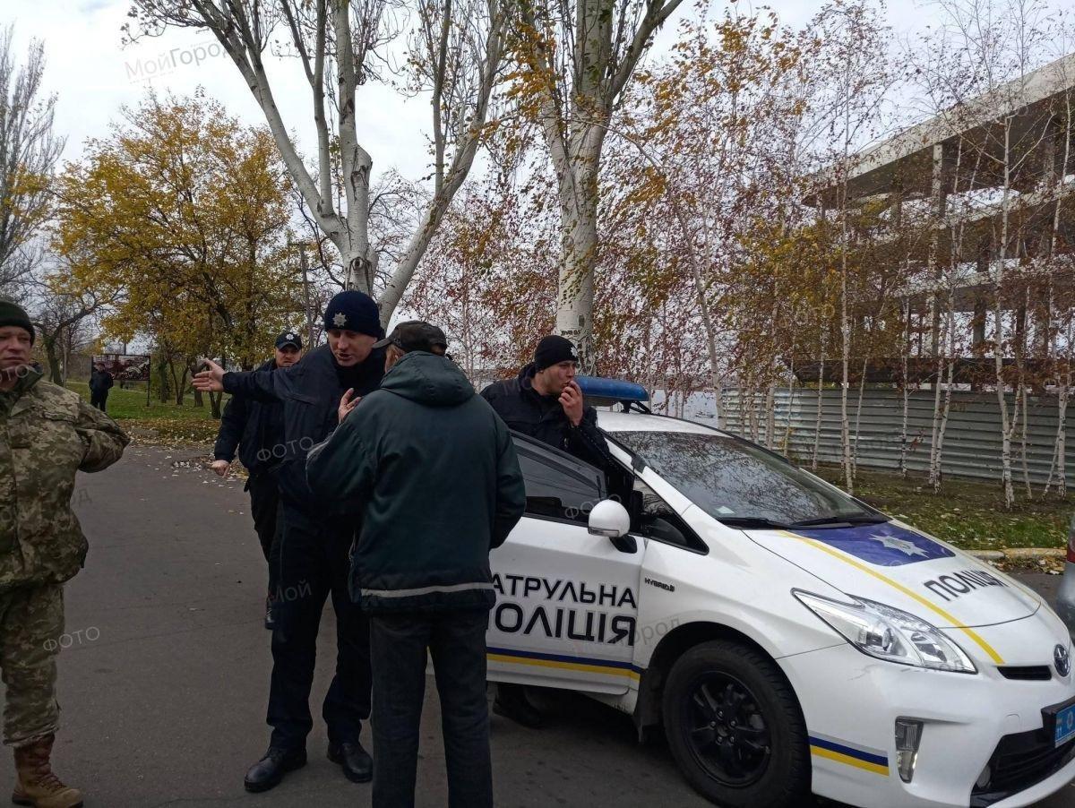 В Николаеве сотрудники судостроительного завода перекрыли Варваровский мост, ФОТО, фото-5