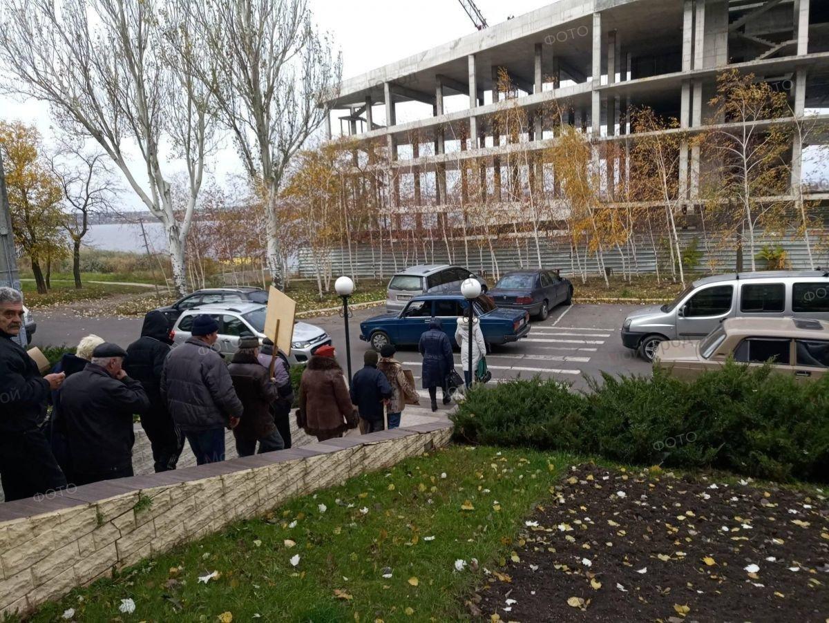 В Николаеве сотрудники судостроительного завода перекрыли Варваровский мост, ФОТО, фото-3