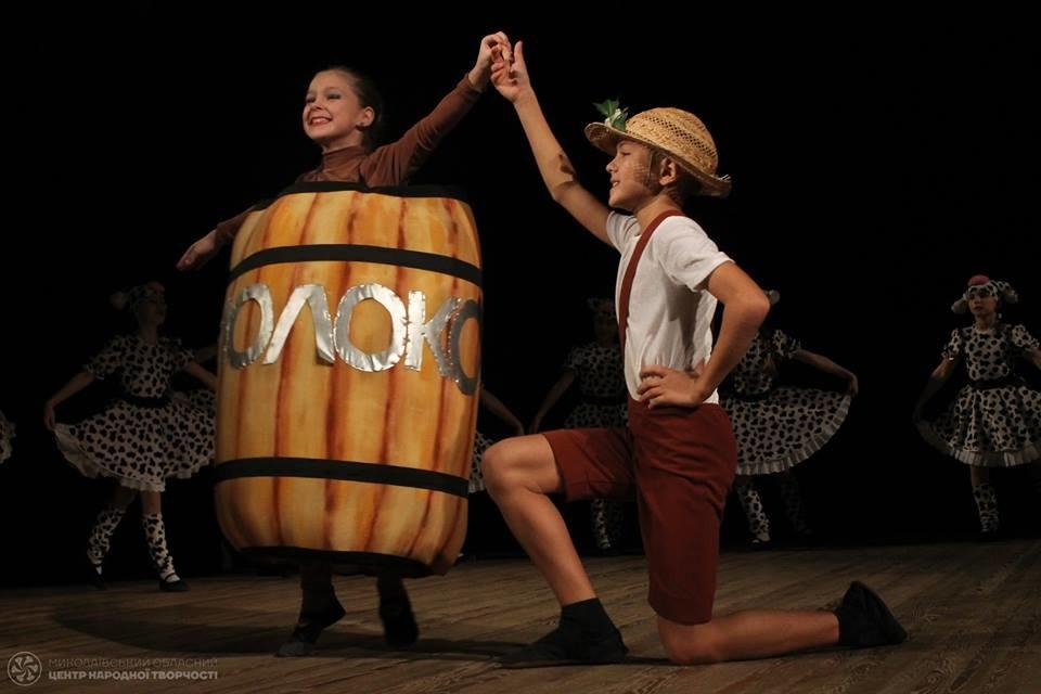 В Николаеве на сцене Молодежного 80 танцевальных коллективов показали лучшие постановки, - ФОТО , фото-1