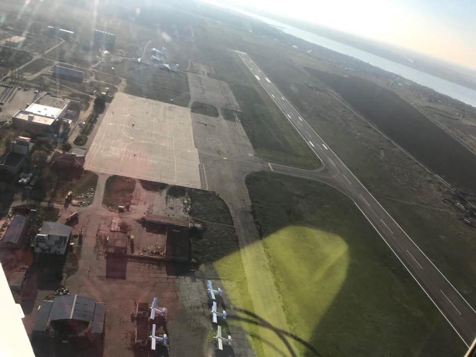 В сети опубликованы фото взлетной полосы Николаевского аэропорта с высоты птичьего полета, - ФОТО, фото-2
