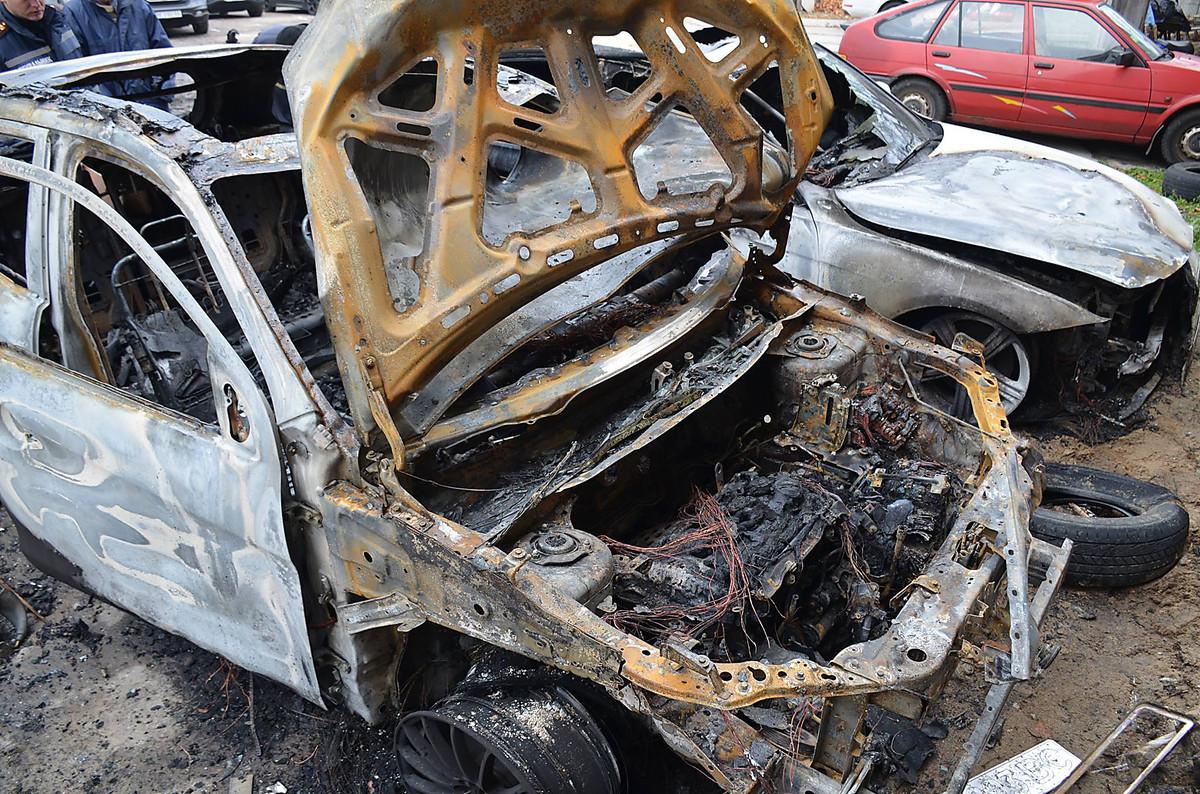 """Ночью почти дотла сгорел """"Mitsubishi"""", на котором ездит николаевский прокурор Владислав Белан, фото-2"""