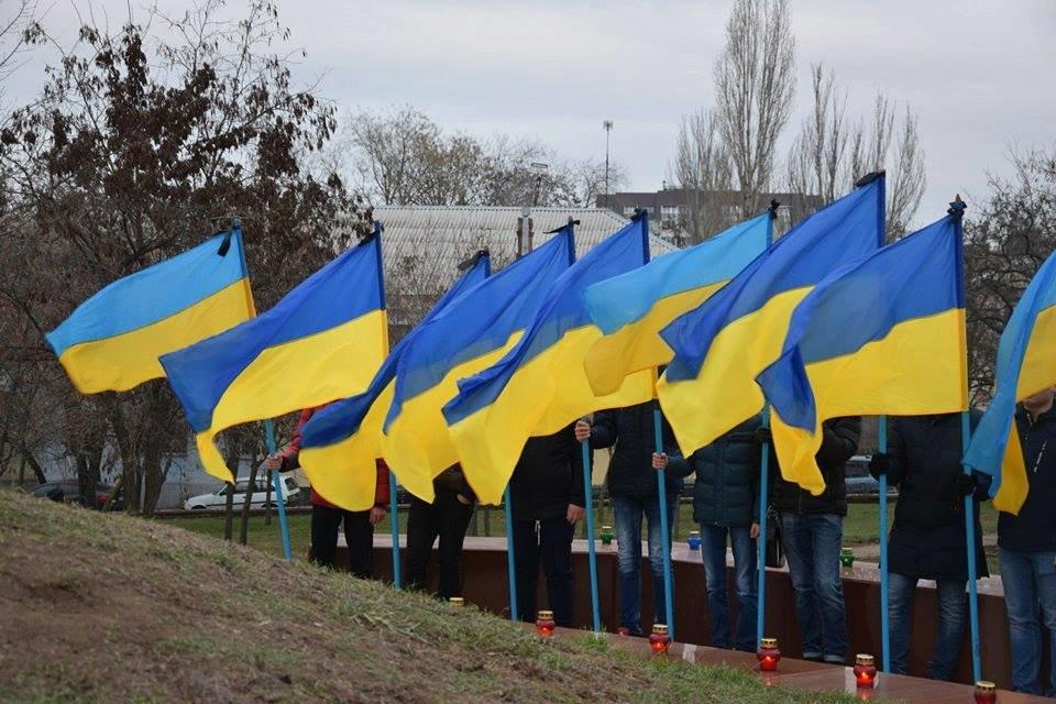 Николаевцы почтили память жертв Голодомора, - ФОТО, фото-4