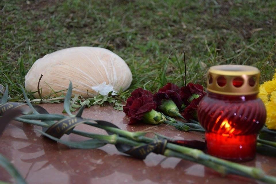 Николаевцы почтили память жертв Голодомора, - ФОТО, фото-7