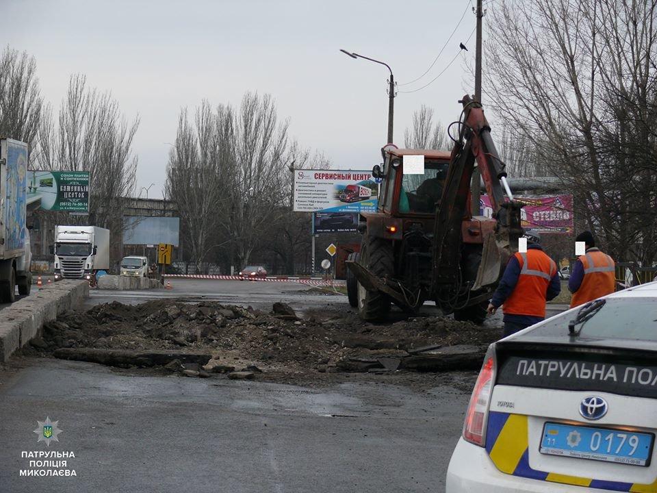 Николаевские патрульные проверили состояние дорожных знаков на Херсонском шоссе, - ФОТО, фото-3