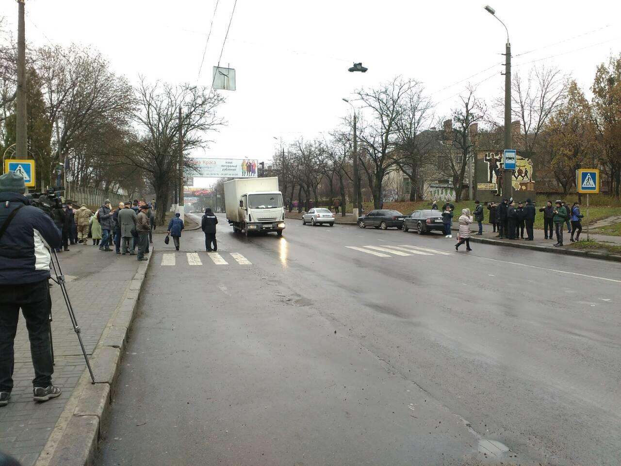 Движение по Варваровскому мосту разблокировано, фото-2