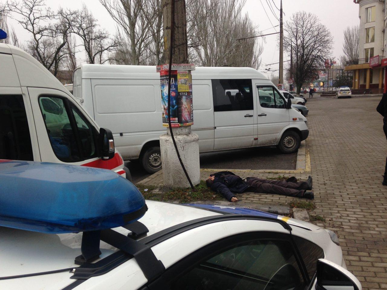 Возле Пушкинского кольца в Николаеве найден труп мужчины, - ФОТО, фото-2
