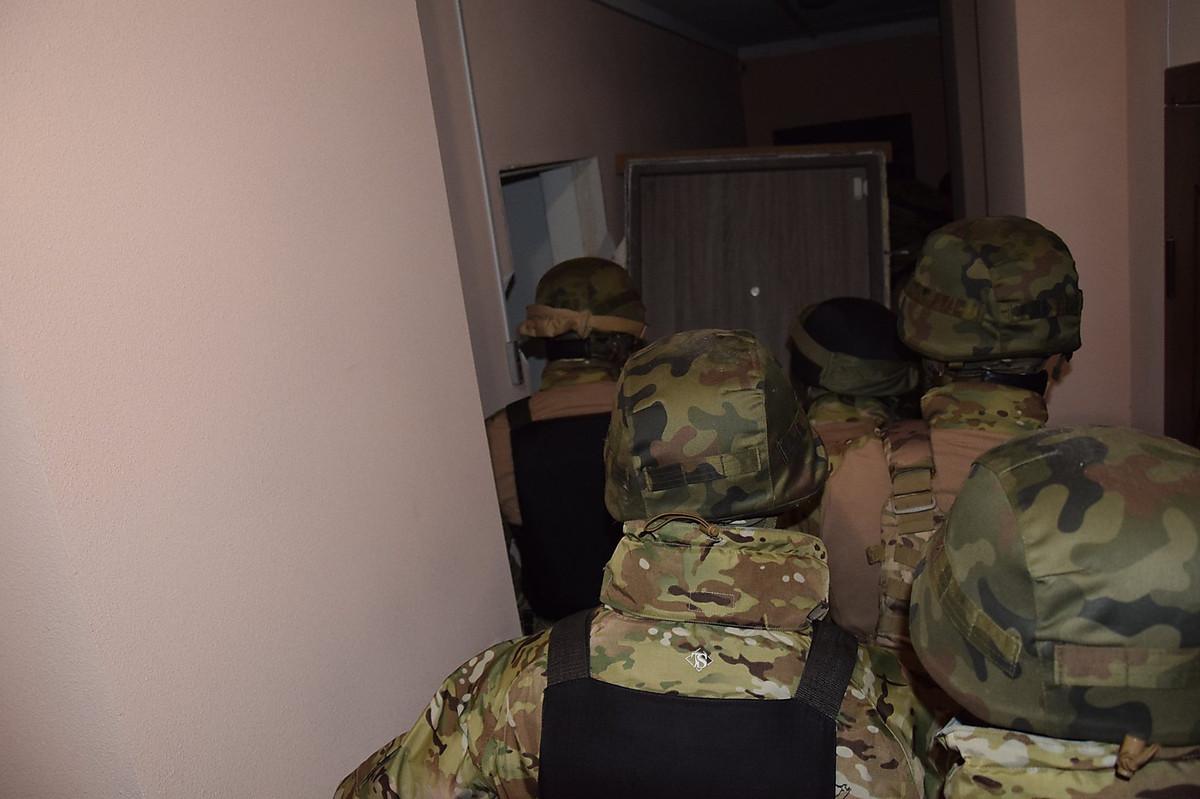 В Одессе николаевские полицейские задержали подозреваемых в разбойном нападении, ФОТО, фото-4