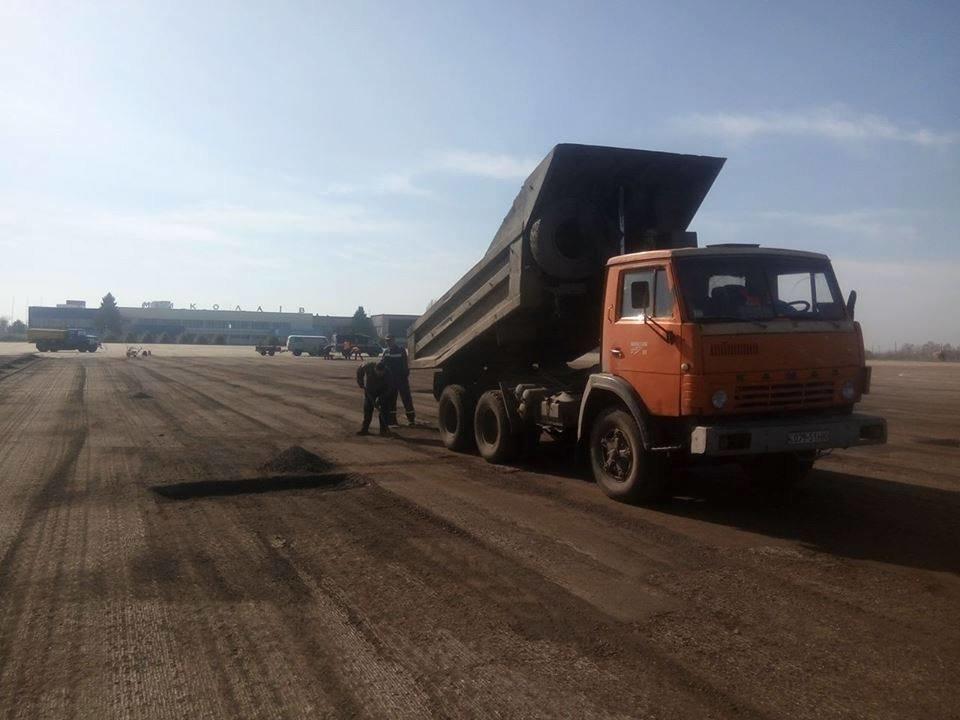 Облавтодор ремонтирует перрон в Николаевском аэропорту, - ФОТО, фото-1