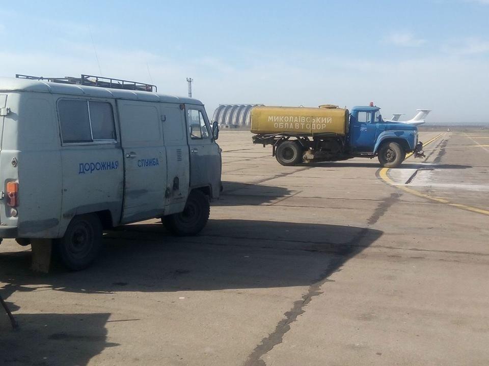 Облавтодор ремонтирует перрон в Николаевском аэропорту, - ФОТО, фото-3