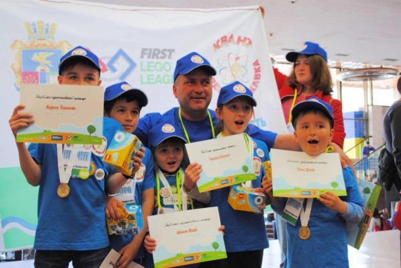 Николаевские ребята завоевали 5 золотых медалей на Всеукраинском фестивале по робототехнике, - ФОТО, фото-1