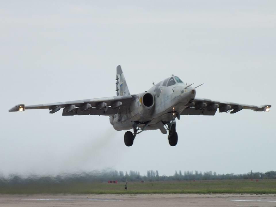 Над Николаевом летают боевые самолеты, - ФОТО, фото-1
