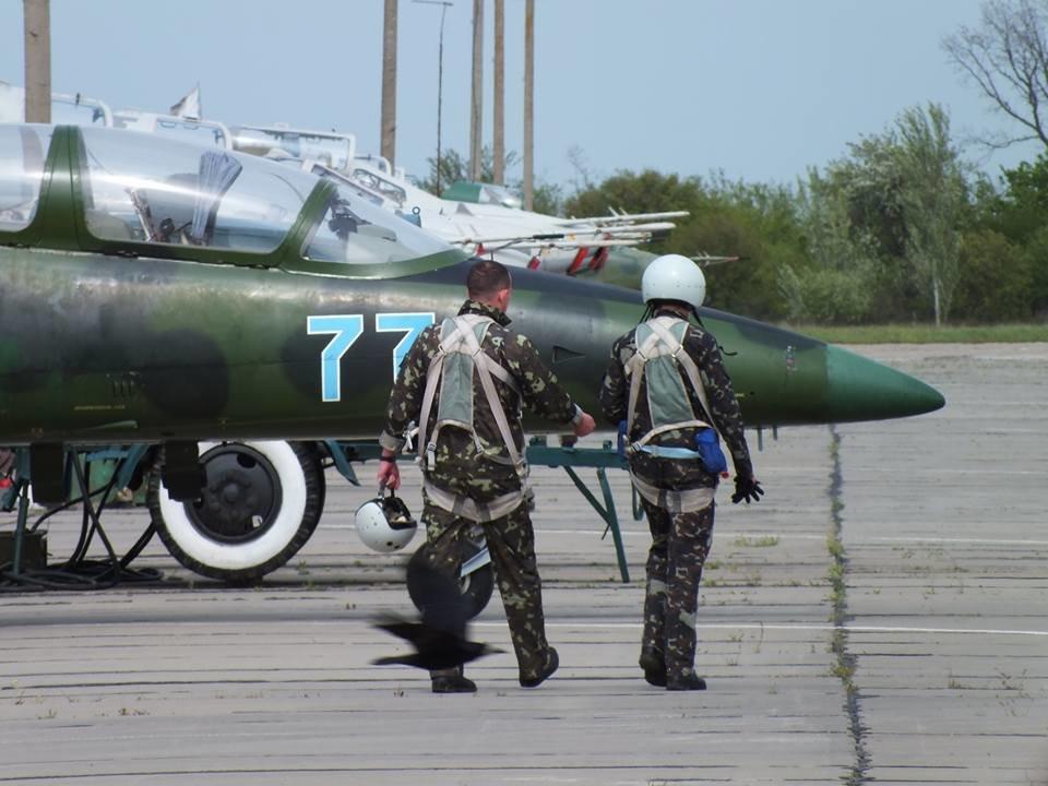 Над Николаевом летают боевые самолеты, - ФОТО, фото-6