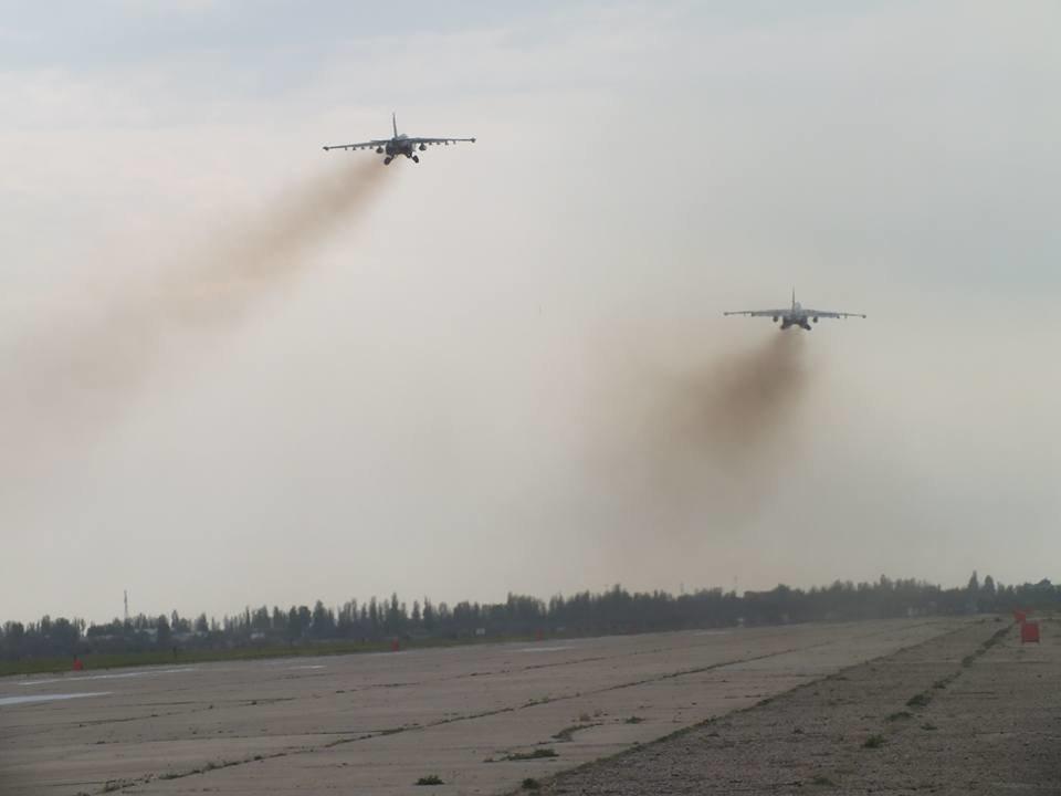 Над Николаевом летают боевые самолеты, - ФОТО, фото-2