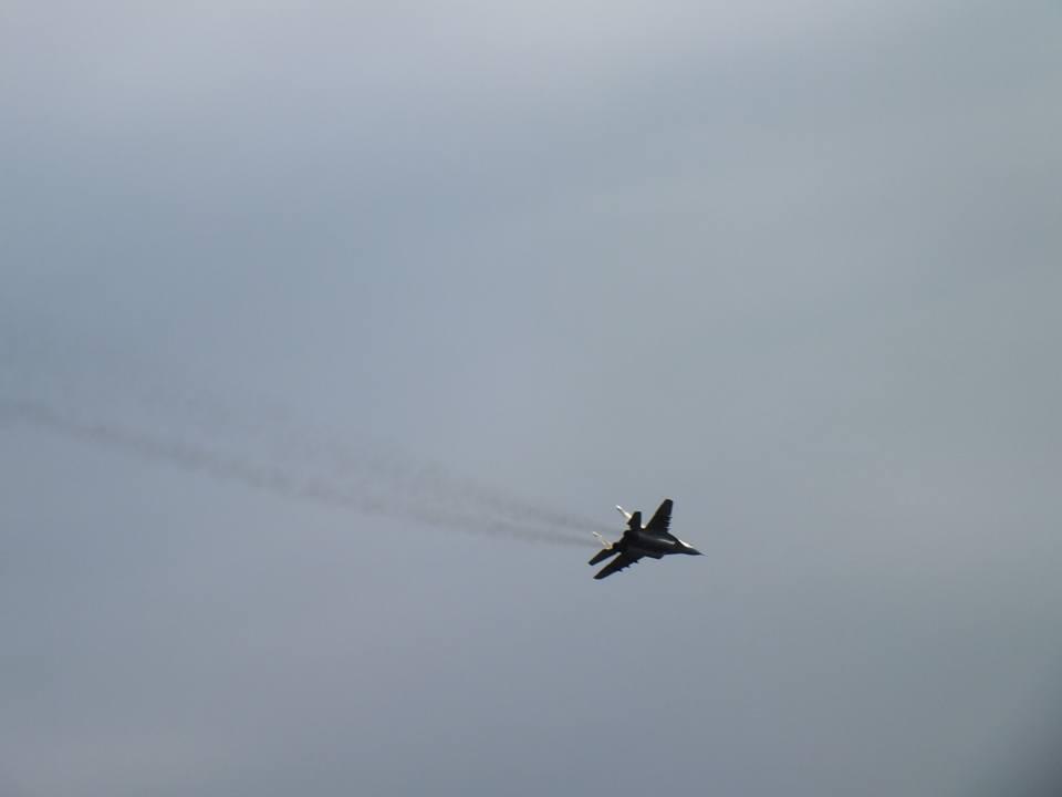 Над Николаевом летают боевые самолеты, - ФОТО, фото-4