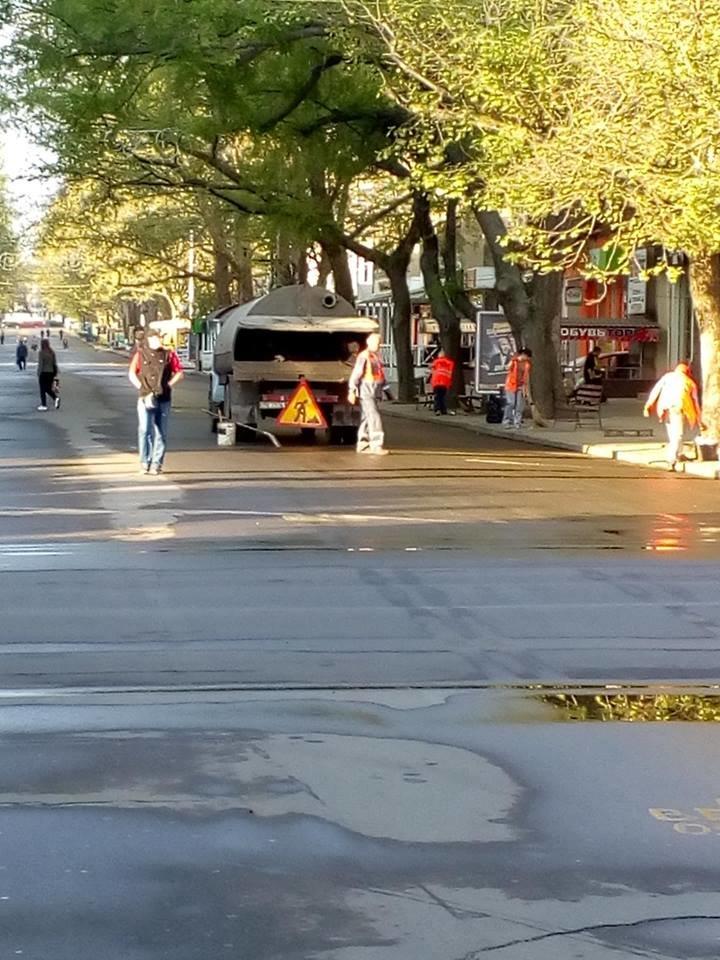 Администрация Центрального района наводит порядок на ул. Соборной, - ФОТО, фото-1