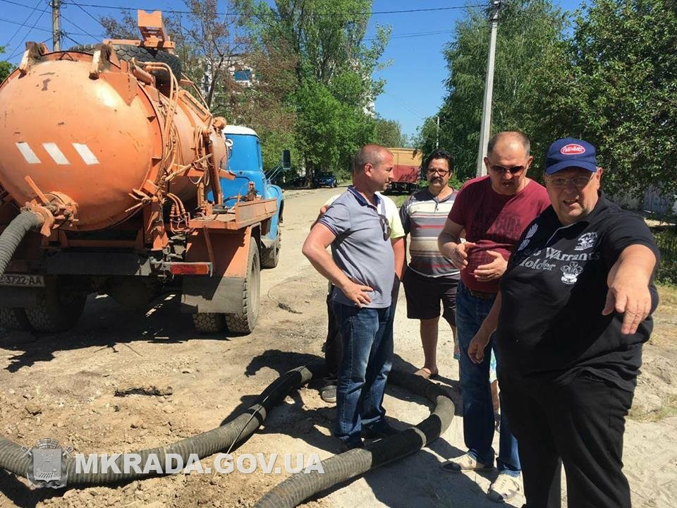 Аварийные службы будут работать без отдыха, чтобы стоки не подтопили дома николаевцев, - вице-мэр Юрий Степанец, - ФОТО, фото-5