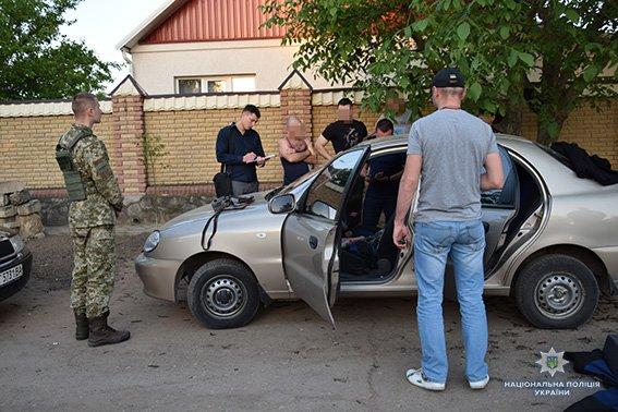 На Николаевщине поймали торговцев людьми, продающих украинок в секс-рабство, - ФОТО, ВИДЕО, фото-7