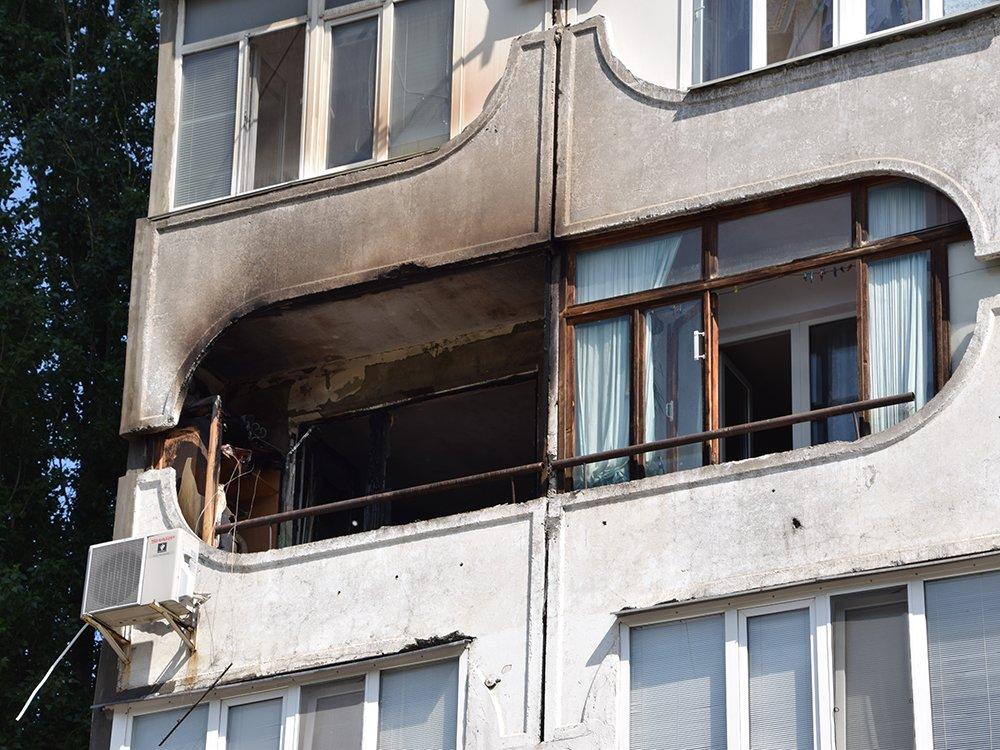 В Николаеве на Центральном проспекте загорелась квартира: один человек госпитализирован, - ФОТО, ВИДЕО, фото-6