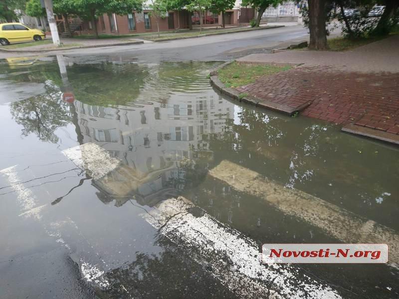 Центр Николаева снова заливает фекальными водами, - ФОТО, ВИДЕО, фото-2