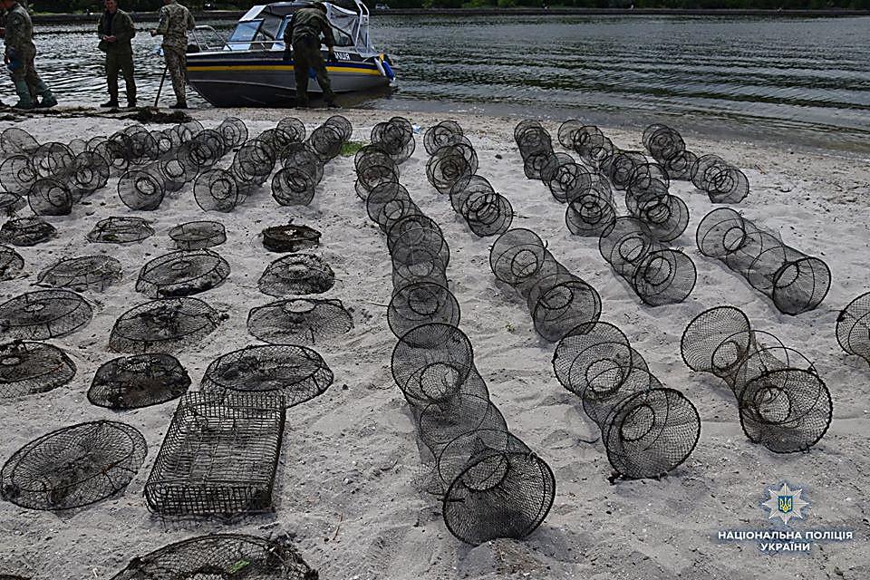 На Николаевщине водный патруль изъял 83 браконьерских орудий для ловли раков и рыбацкие сетки, - ФОТО, фото-4