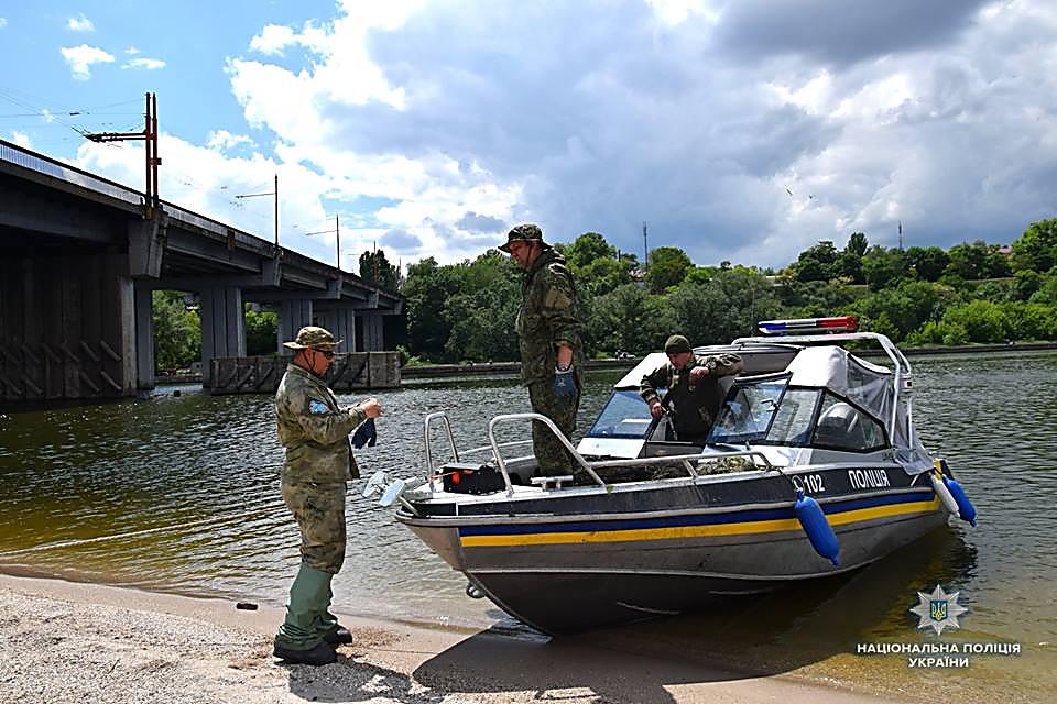 На Николаевщине водный патруль изъял 83 браконьерских орудий для ловли раков и рыбацкие сетки, - ФОТО, фото-3