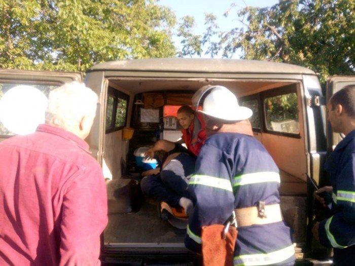 На Николаевщине БМВ врезался в забор частного домовладения и перевернулся , фото-1
