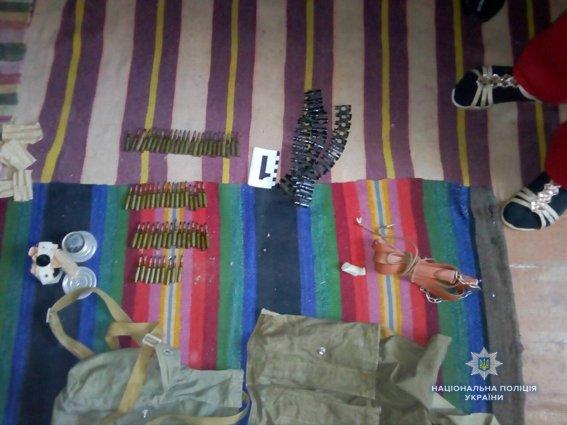 На Николаевщине полицейские изъяли у местного жителя арсенал оружия, - ФОТО, фото-2