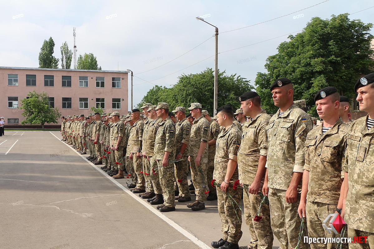 В Николаеве провели в последний путь офицера морской пехоты Александра Конотопенко, - ФОТО, фото-10