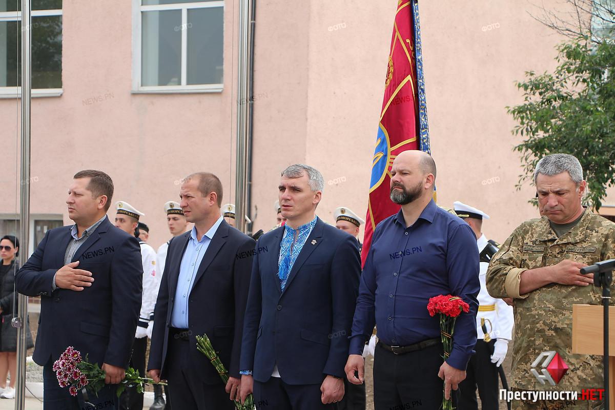 В Николаеве провели в последний путь офицера морской пехоты Александра Конотопенко, - ФОТО, фото-4