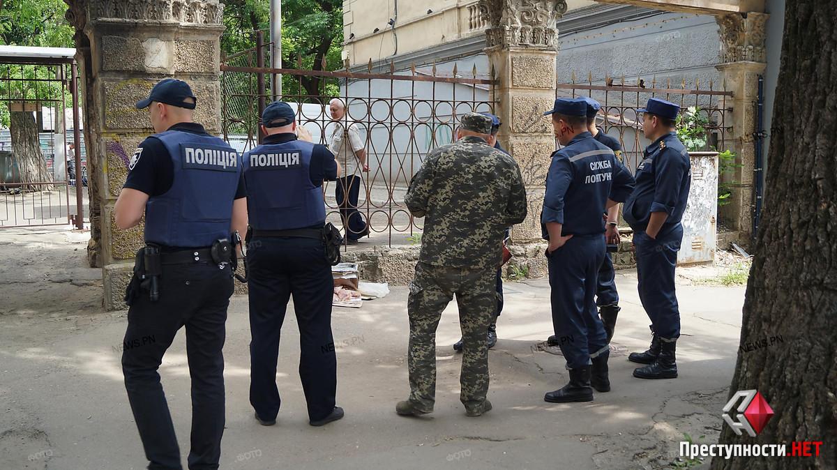 В центре Николаева полиция оцепила целый квартал из-за подозрительной коробки, - ФОТО, фото-4