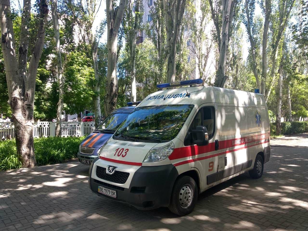 В Николаеве двое детей из школы, где был распылен неизвестный газ, попали в реанимацию, - ФОТО , фото-3