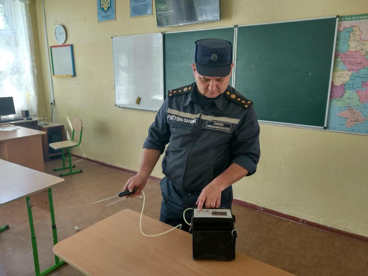 В Николаеве двое детей из школы, где был распылен неизвестный газ, попали в реанимацию, - ФОТО , фото-1