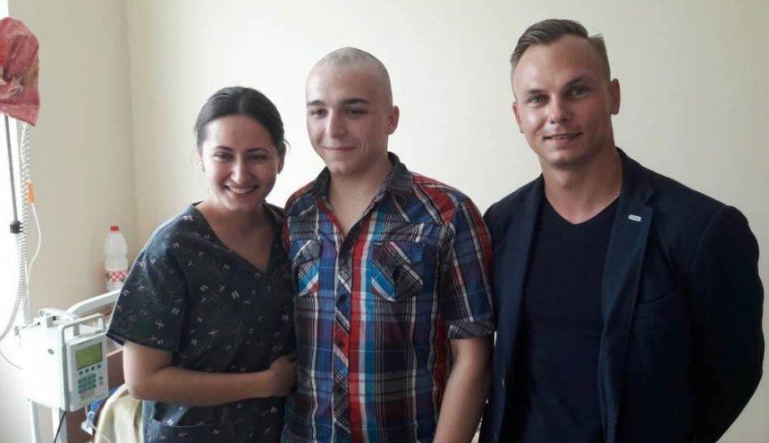 Николаевский чемпион Александр Абраменко помог онкобольным детям , фото-1