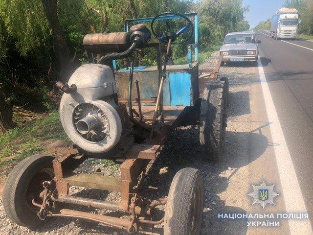 На Николаевщине двое парней пытались украсть дорожный отбойник, - ФОТО , фото-3