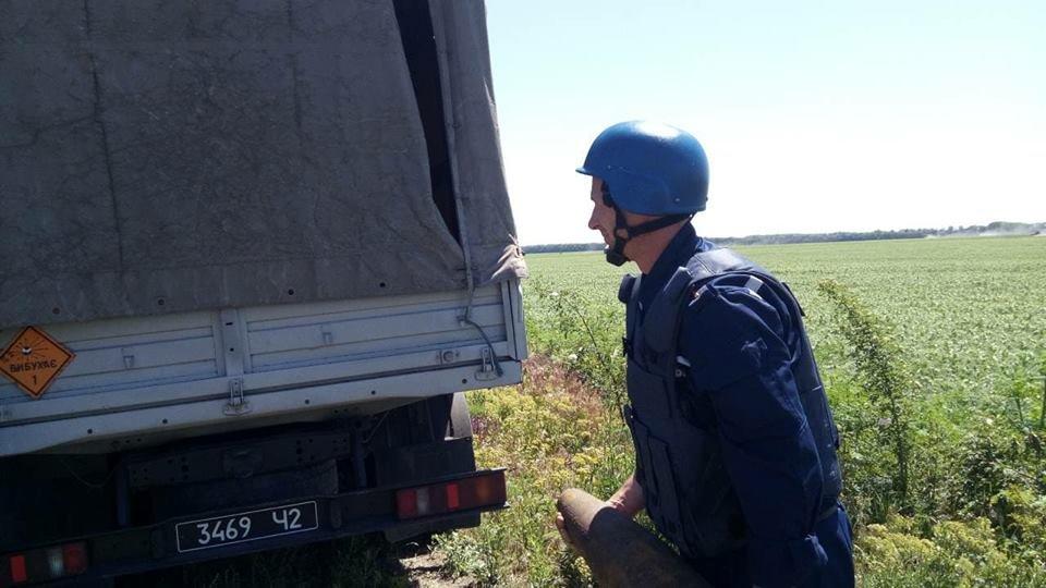 2 под мостом и 1 в городе на обочине: в Николаеве уничтожили 3 взрывоопасных предмета, - ФОТО, фото-4