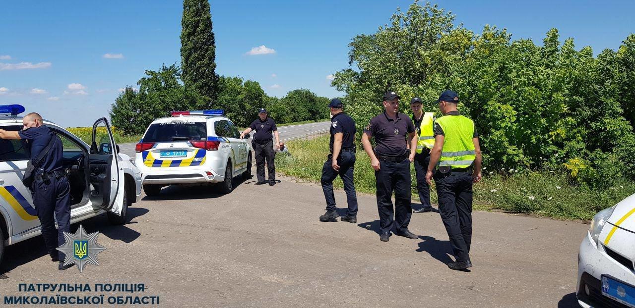 В Николаеве патрульные задержали троих мужчин на краденом автомобиле, - ФОТО, фото-1