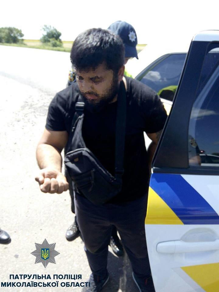 В Николаеве патрульные задержали троих мужчин на краденом автомобиле, - ФОТО, фото-3