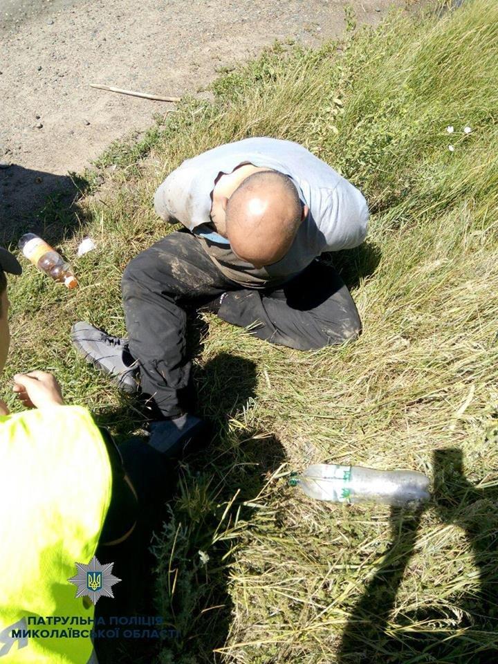 В Николаеве патрульные задержали троих мужчин на краденом автомобиле, - ФОТО, фото-4