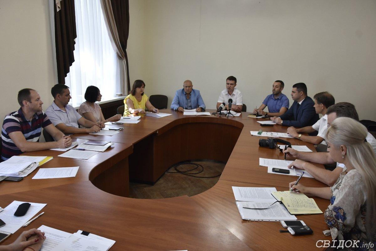 Давайте конструктивно поработаем: в Николаевском горсовете состоялось совещание по улучшению предоставления админуслуг, - ФОТО, фото-3