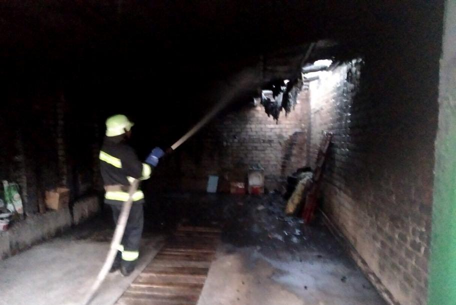 Спасатели Николаевщины потушили пожары двух гаражей и  автомобиля, - ФОТО, фото-1