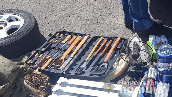 В авто задержанных братьев-близнецов из Николаева нашли наркотические средства, оружие и вещи потерпевших, - ФОТО, фото-2
