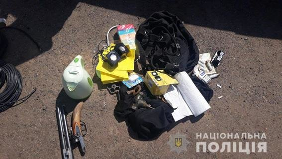 В авто задержанных братьев-близнецов из Николаева нашли наркотические средства, оружие и вещи потерпевших, - ФОТО, фото-1