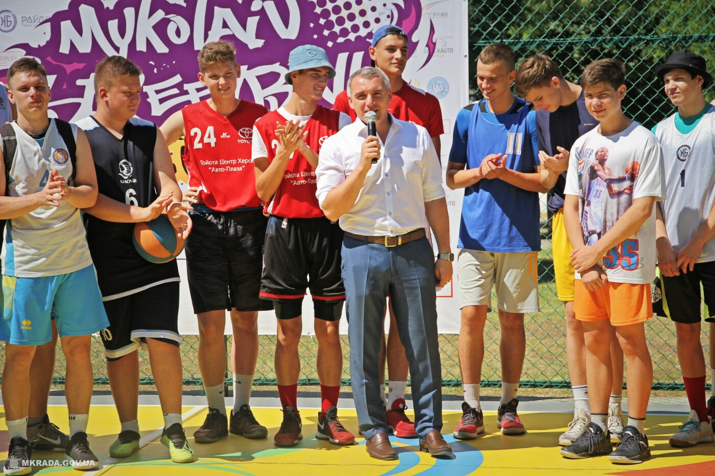 Команда «МрийДий» представила первую в Украине баскетбольную площадку в стиле street art, - ФОТО, фото-9