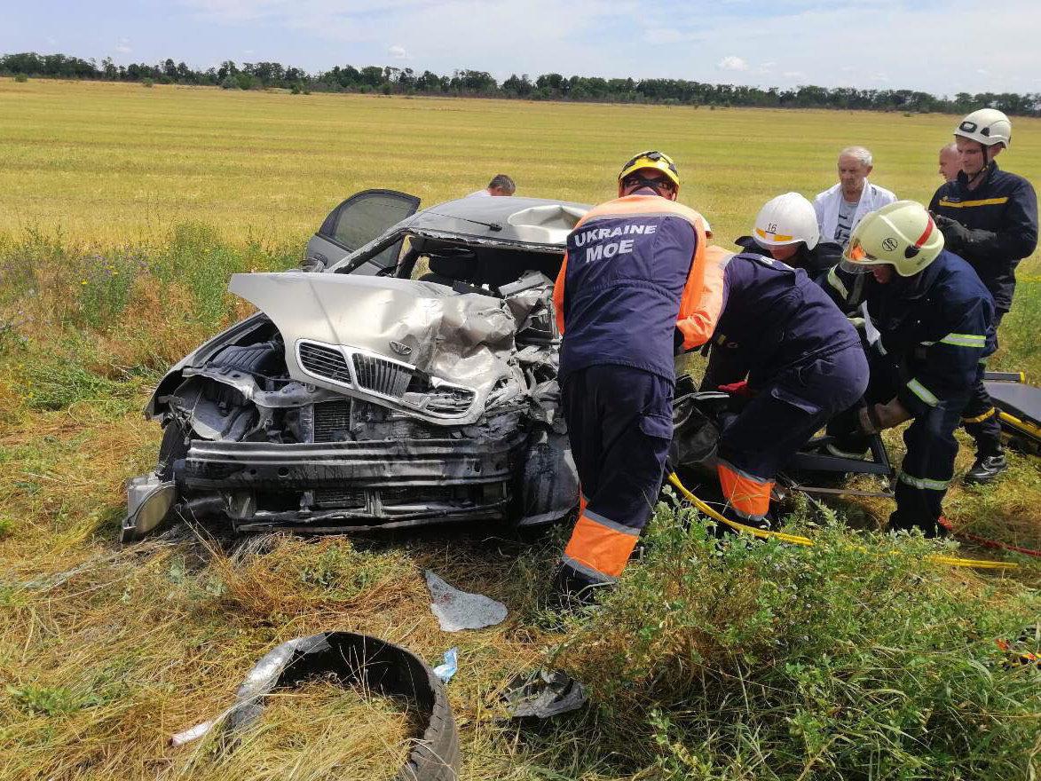 В ДТП под Николаевом пострадал ребенок и зажало водителя в салоне, - ФОТО, фото-3