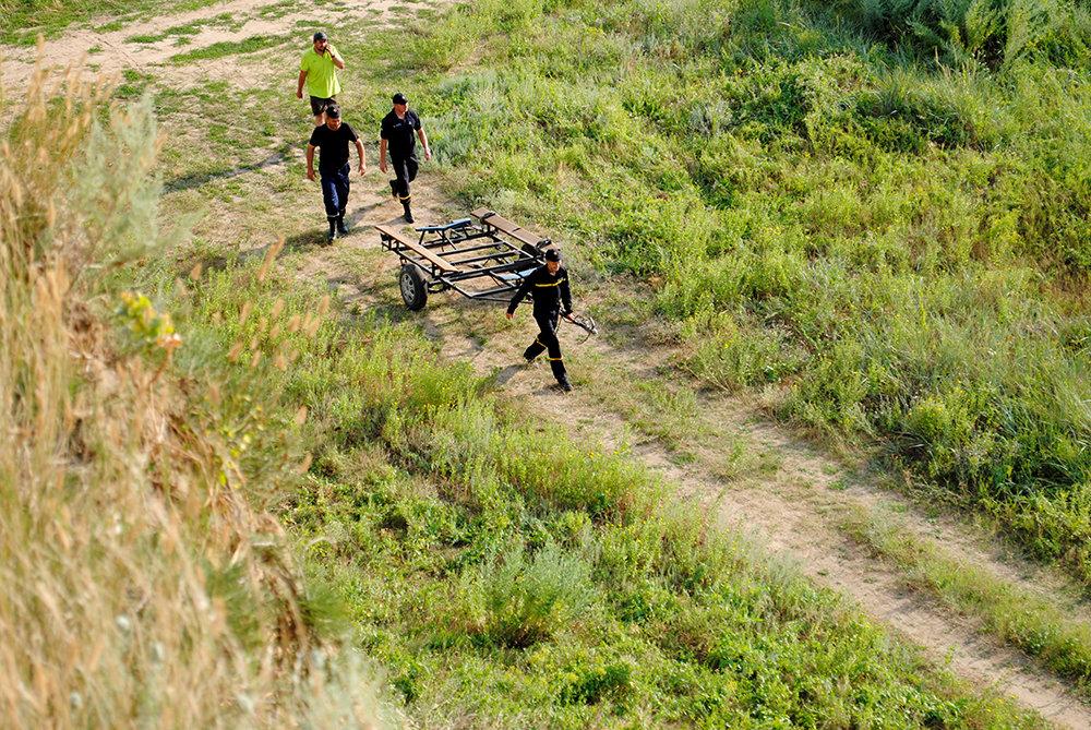 На Николаевщине спасли юношу, плавсредство которого унесло далеко от берега, - ФОТО, фото-6