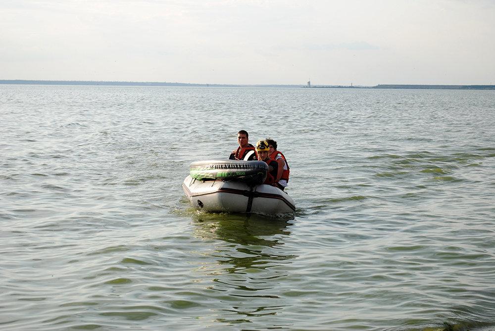 На Николаевщине спасли юношу, плавсредство которого унесло далеко от берега, - ФОТО, фото-3