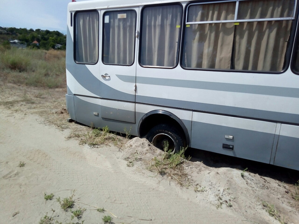 На Николаевщине спасатели  оказывали помощь гражданам в изъятии автотранспорта с бездорожья, - ФОТО, фото-1