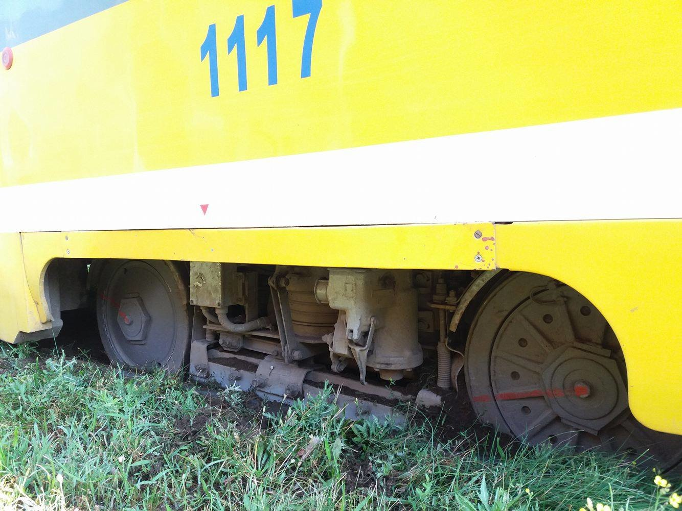 В Николаеве трамвай сошел с рейсов, - ФОТО, фото-2